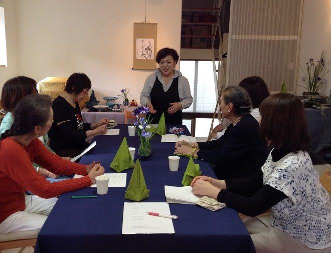 テーブルコーディネート教室でナフキンワーク